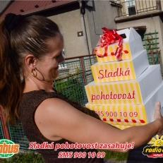 p. Sladká (výhra od p. Schwarzové)